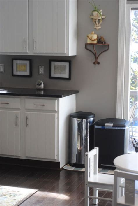 kitchen colors, maybe I need to paint the walls gray